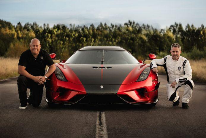 CEO en oprichter Christian von Koenigsegg met bestuurder Sonny Persson.