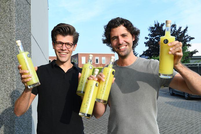 De broers Thom (links) en Frank Koreman zijn zichtbaar gek op hun eigen Koreman's limoncello.