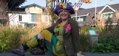 Tante Jo is de Dieuwertje Blok van Ermelo: 'Als ze ooit met pensioen gaat, wil ik het wel overnemen!'