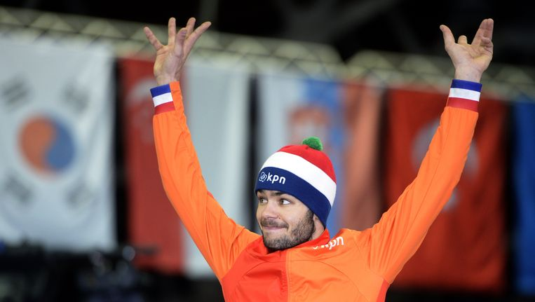Schaatser Sjinkie Knegt won afgelopen maart goud in Moskou op de 3000 meter, tijdens het ISU wereldkampioenschap short track. Beeld AFP