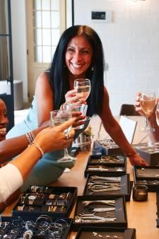 Bijoux, déco, Tupperware: comment expliquer le succès de la vente à domicile?