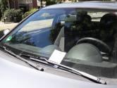 Briefje gemeente Rheden: parkeer toch niet in de Koninginnenbuurt!