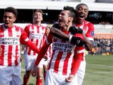 Matig PSV ontsnapt in Venlo dankzij late treffer Lozano
