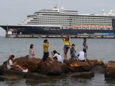 Gemist? Regiobewoners zitten op 'corona-cruiseschip' en hulpverleners verbaasd over filmers bij crash in Loenen