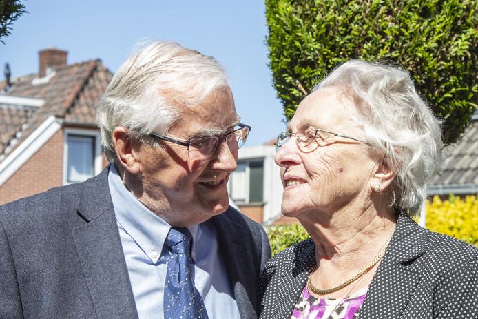 Het echtpaar Polhoud-Nijland  was maandag 65 jaar getrouwd.