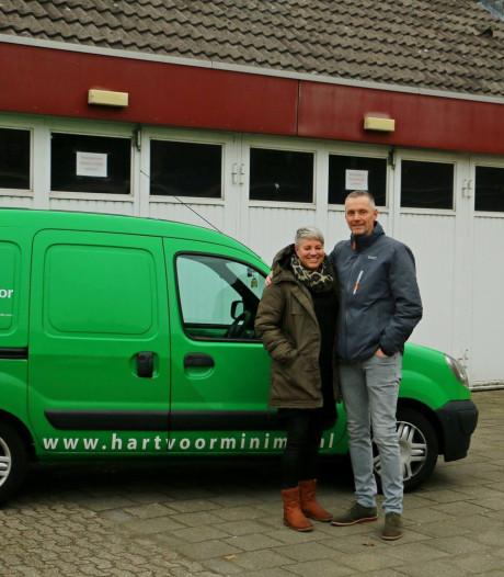 Inzamelingsactie bij Helmondse supermarkten door Hart voor Minima en Stichting Lief