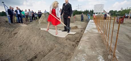 Burgemeester geeft startschot voor bouw brandweerkazerne Geertruidenberg