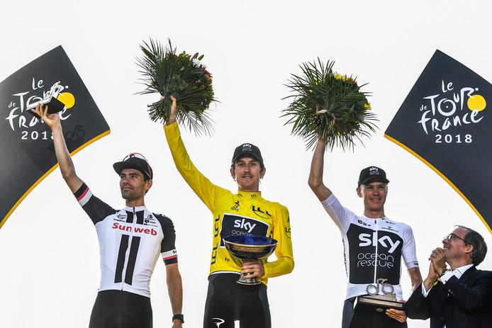 De top drie van de Tour de France van vorig jaar. Nummer twee Tom Dumoulin (links) en nummer drie Chris Froome (rechts) zijn er dit jaar in elk geval niet bij. Titelverdediger Geraint Thomas (midden) kent ook allesbehalve een goede voorbereiding.
