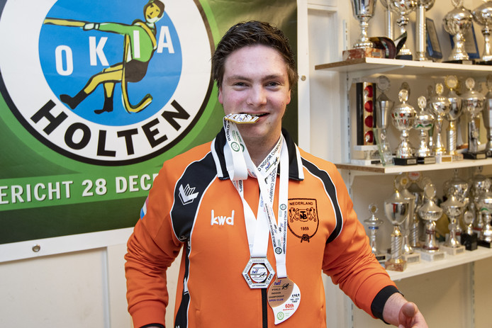 Thomas Bloemenkamp werd afgelopen weekend wereldkampioen touwtrekken met het Nederlandse jeugdteam onder 23 jaar.