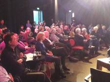 Nieuwscafé: Is de lokale democratie te  redden?
