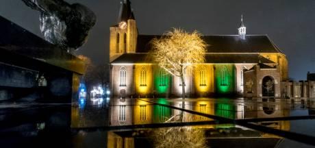 Bisschop opent nieuwe kapel in kerk Schijndel