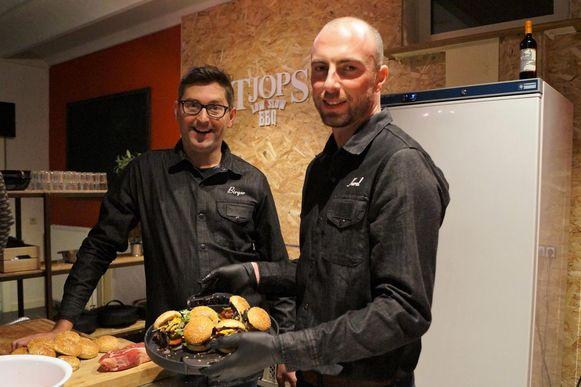 Birger en Karel openden hun eigen Weber Grill Academy.
