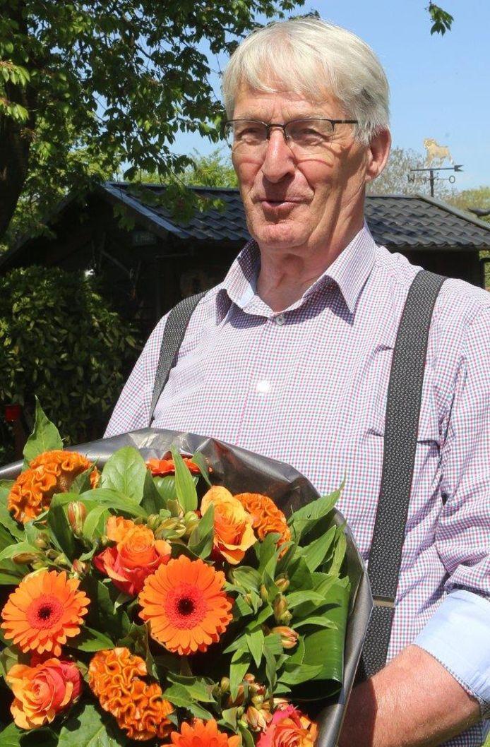 Jan van Abeelen uit Haaren zat lekker in de thuis te genieten toen burgemeester Yves de Boer van Haaren hem belde en meldde dat 'het Zijne Majesteit heeft behaagd...'
