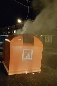Veel rook bij containerbrand in Hengelo