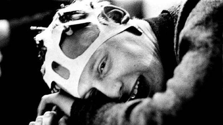 Simon Vinkenoog tijdens een lsd-experiment. (EDDY POSTHUMA DE BOER, UIT BESPROKEN BOEK) Beeld