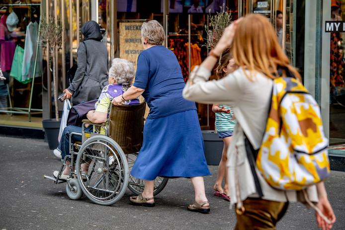 Hellendoorn stelt opnieuw een 'compliment' beschikbaar voor de mantelzorgers in deze gemeente. Onmisbare vrijwilligers, die hun zieke of gehandicapte medemens helpen.