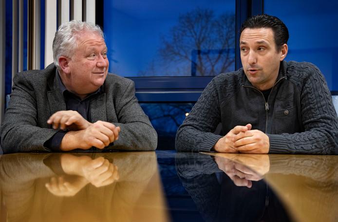 MULO-voorzitter Arjen Vos (l) en zijn collega van SC Helmondia, Harm van Stiphout.