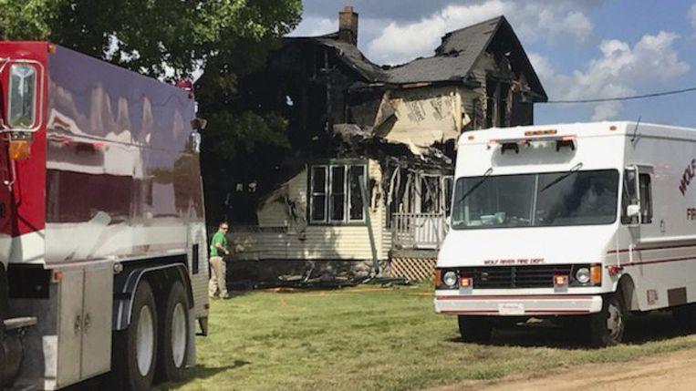Zes mensen kwamen om het leven tijdens de woningbrand.