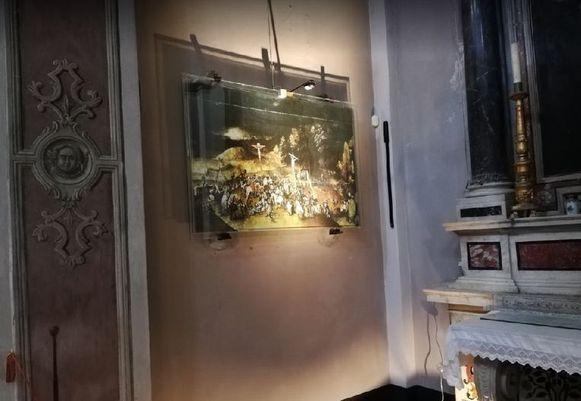 Een kopie van 'De Kruisdraging' van Pieter Brueghel de Jonge werd gestolen uit een kerk in het dorpje Castelnuovo Magra.