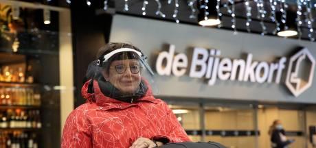 Weer gedoe bij Bijenkorf met gehandicapte vrouw: 'Ik ga die winkel nooit meer binnen'