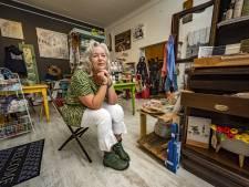 Idealiste Anita verbetert de wereld met haar fairtrade vintagewinkel: 'Als kind gaf ik m'n vakantiegeld aan bedelaars'