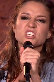 Operazangeres Maria verbijstert collega's als grofgebekte rapper in Beste Zangers