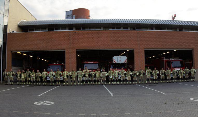 De brandweer van Leuven houdt een minuut stilte na het overlijden van twee collega's in Beringen.
