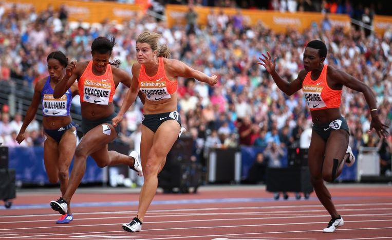 Dafne Schippers zegeviert in Londen met een nieuw persoonlijk record op de 100 meter. Beeld getty
