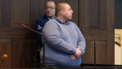 Bennet Demeulenaere (25) krijgt 15 jaar opsluiting voor doodslag op z'n vijf weken oude dochtertje Romy