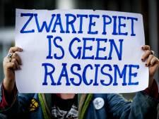 Voorstanders Zwarte Piet naar Arnhems gemeentehuis