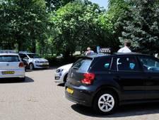 Rijschoolhouders en leerlingen geïrriteerd: CBR Enschede last examens te laat af