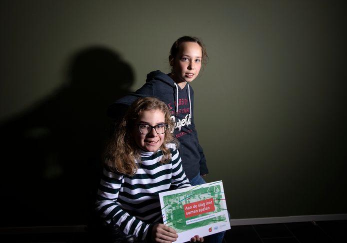 Milou Smets en Louise Klignet (R) uit Riethoven initiafiefneemsters SamenSpeeltuin.