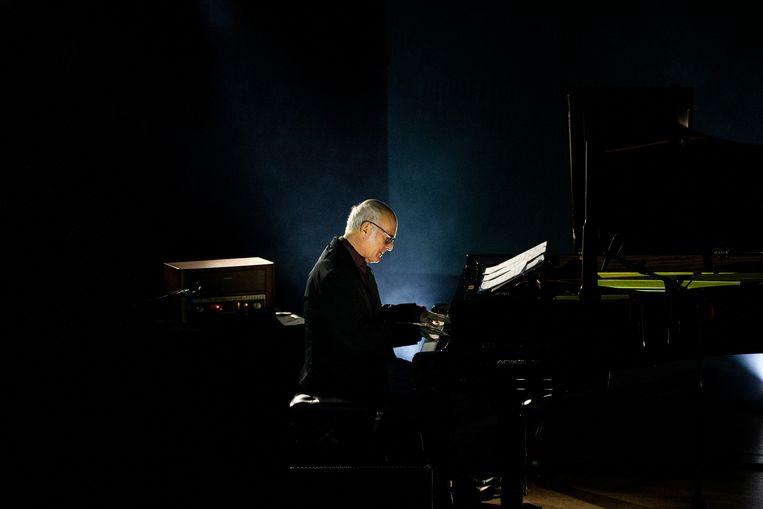 Ook pianist Ludovico Einaudi zal niet naar Nederland komen. Beeld Getty