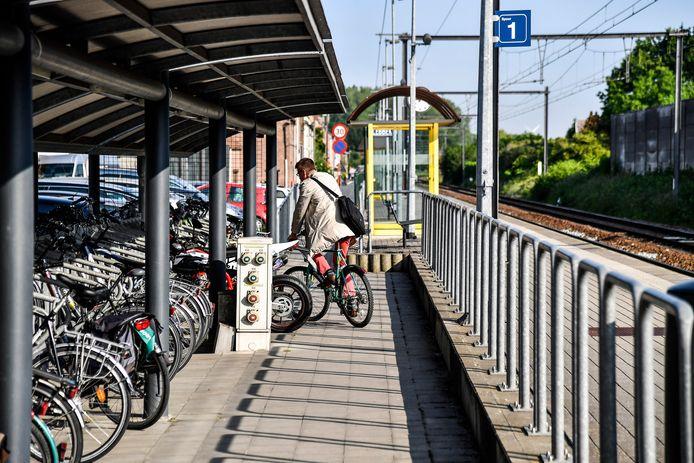 Het station van Oudegem moet het momenteel zonder fietsenstalling stellen.