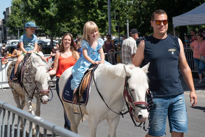 Een vast succesnummer: de ponyritten van de Manège Kerselare