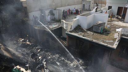 Zwarte doos gevonden na vliegtuigcrash op woonwijk Pakistan