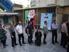 Lange rijen voor stembureaus in Iran