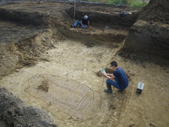 Opgravingen in Lent waarbij het bijzondere potje uit de ijzertijd is gevonden.