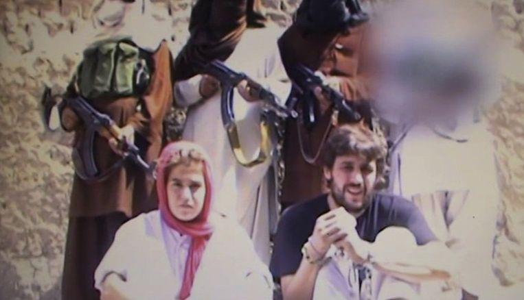 De twee Zwitserse toeristen in de video. Beeld null