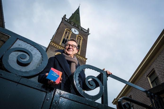 Dominee en Statenlid Hans van Ark uit Wapenveld richt zich komend jaar meer op de politiek.