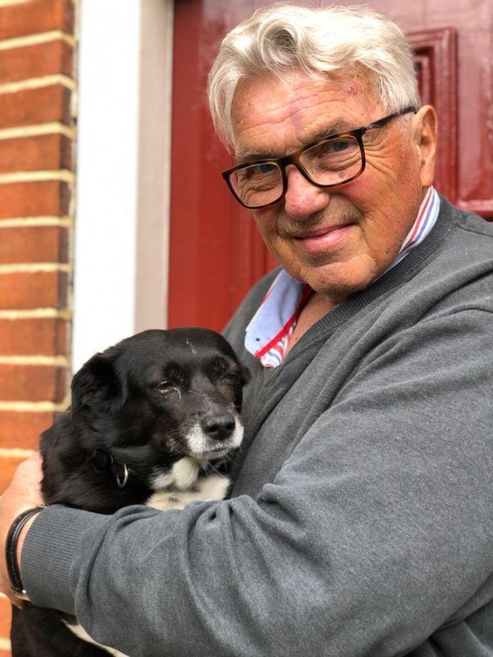 Jonkheer Floris met zijn hondje Kurki.