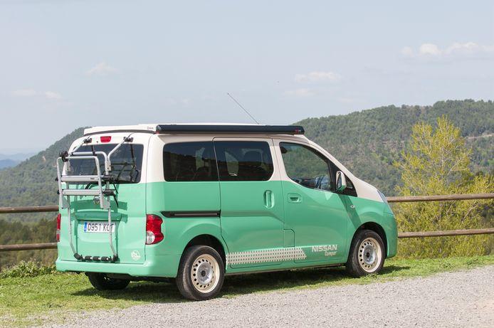 Van die Nissan bestaat ook een camper. Elektrische kampeerauto's zijn, vanwege de beperkte inzetbaarheid, nog erg zeldzaam