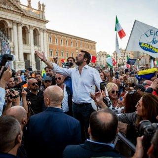 Rechts Italië loopt uit voor Salvini: 'Kalmte is de kracht van de sterken'