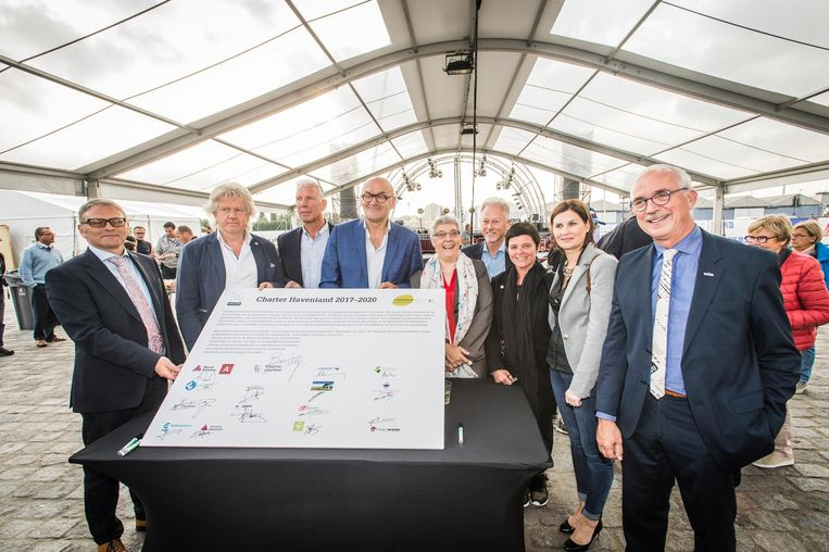 16 partners gaan het engagement aan om de toeristische troeven van de haven meer in de verf te zetten.