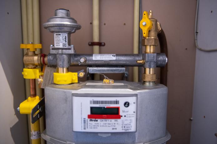 Een gasmeter in de meterkast van een woning