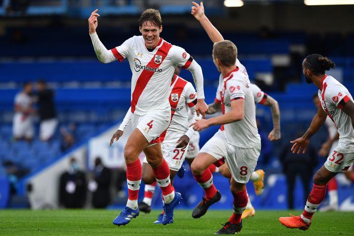 Jannik Vestergaard is uitzinnig van vreugde na zijn gelijkmaker tegen Chelsea.