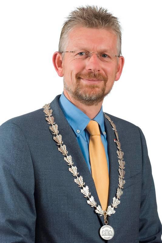 Jan de Boer, burgemeester van de gemeente Buren.