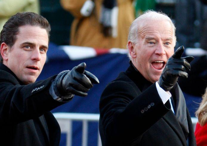 Joe Biden (r.) samen met zijn zoon Hunter.