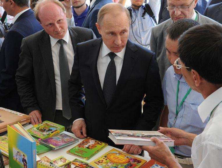 Poetin op een boekenfestival in Moskou. Beeld ap