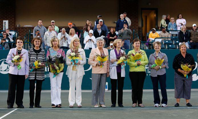 In 2012 kwamen de 'Original 9' samen. VLNR: Billie Jean King, Peaches Bartkowicz, Kristy Pigeon, Valerie Ziegenfuss, Judy Tegart Dalton, Julie Heldman, Kerry Melville Reid, Nancy Richey and Rosie Casals